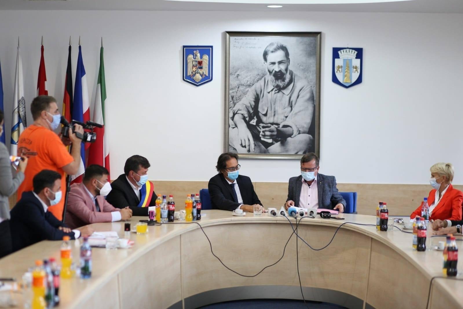 CNAIR anunţă semnarea contractului pentru finalizarea lucrărilor la Varianta Ocolitoare a municipiului Târgu Jiu, un proiect în valoare de 207 milioane lei