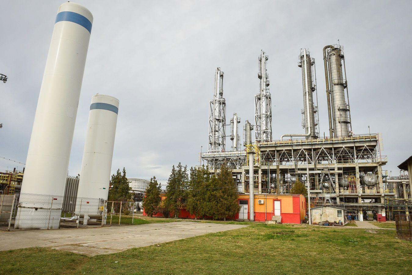 Rafinăria Vega Ploieşti a produs în primele nouă luni ale anului 265.000 de tone de materii prime şi semifabricate procesate