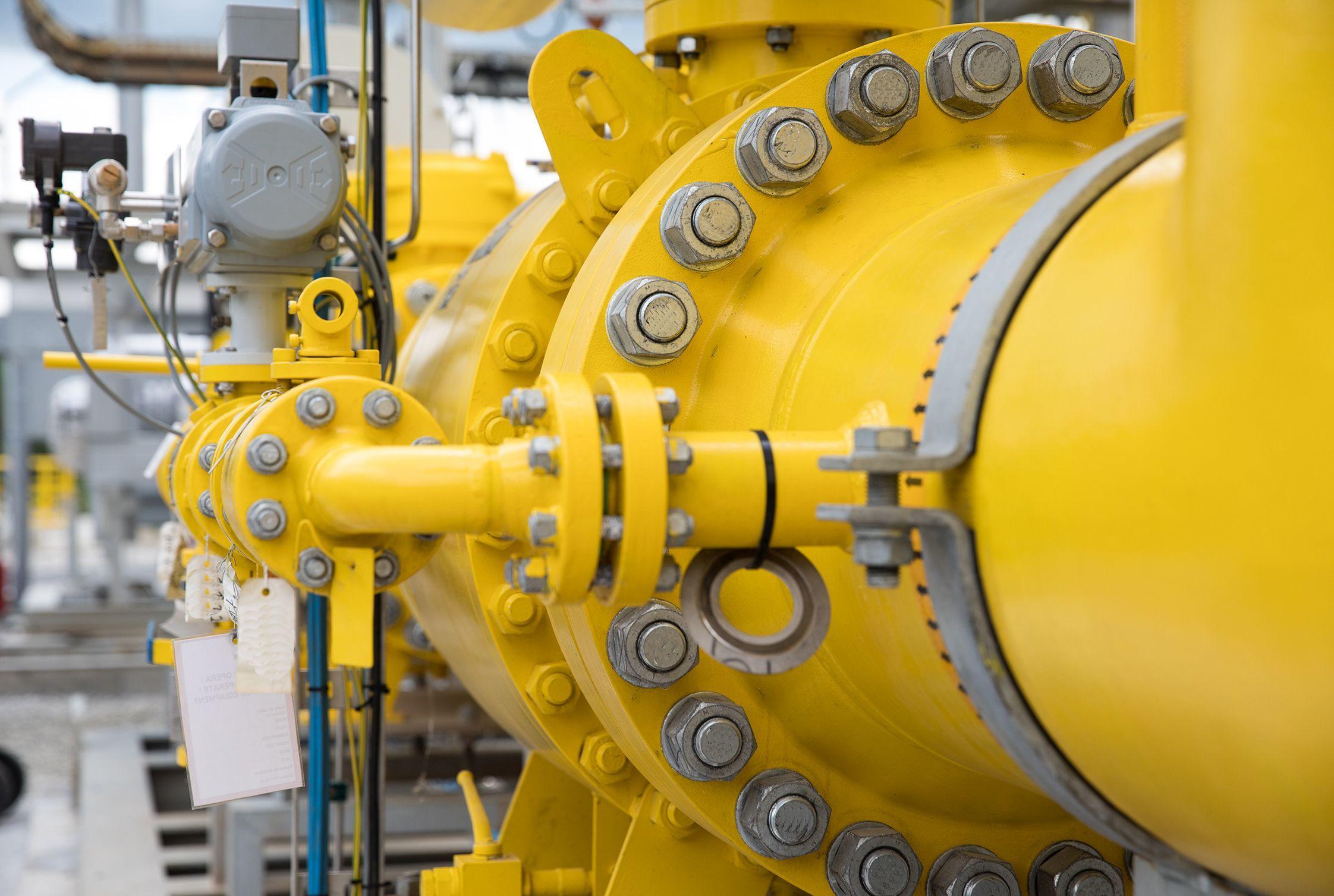 ANRE: Investiţiile în sistemele de transport şi distribuţie a gazelor naturale stabilite pentru acest an vor ajunge la 1,665 miliarde lei