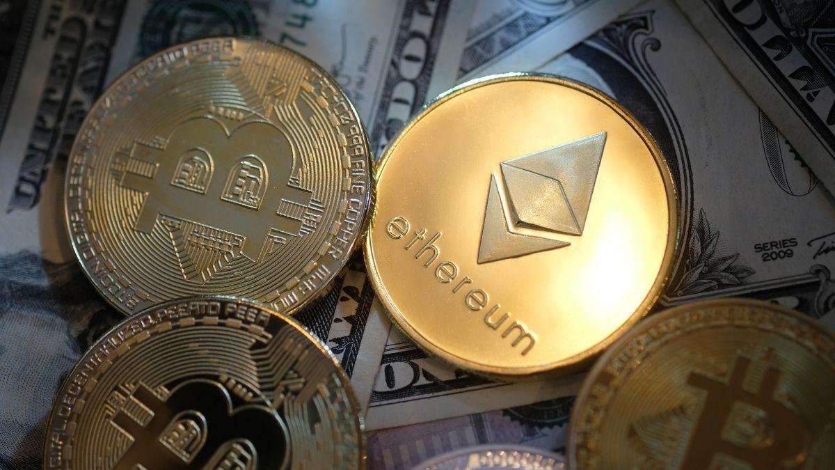 mii de oameni coboară pe miami pentru a glorifica bitcoinul